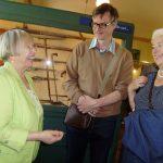 Dagmar Wuttge im Gespräch mit Besuchern
